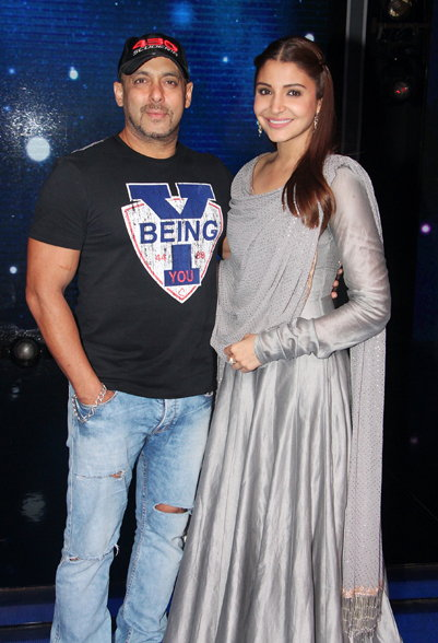 Sultan! Salman Khan and Anushka Sharma on the sets of Saregamapa