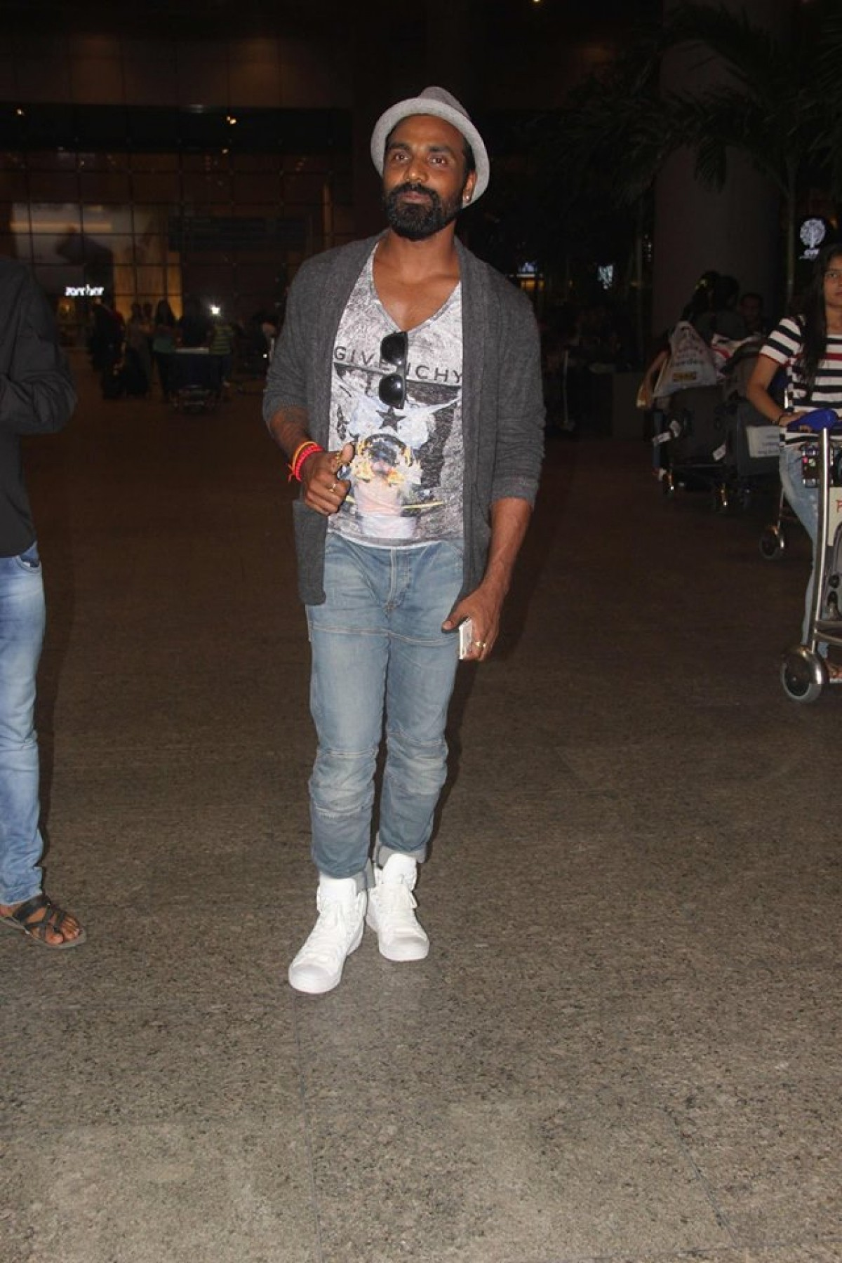 Sunil Shetty, Remo DSouza and Other Bollywood Celebs Spotted at Mumbai Airport
