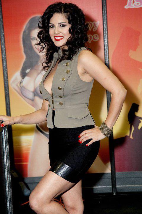 Sunny Leone Sexy Photo Shoot