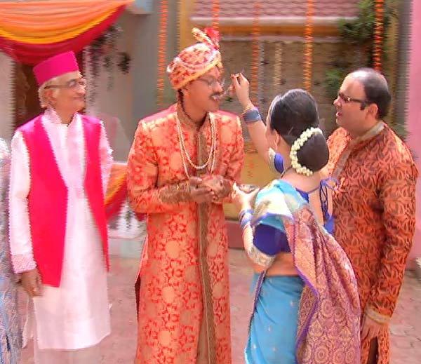 Amit Bhatt, Shyam Pathak & Sonalika Joshi