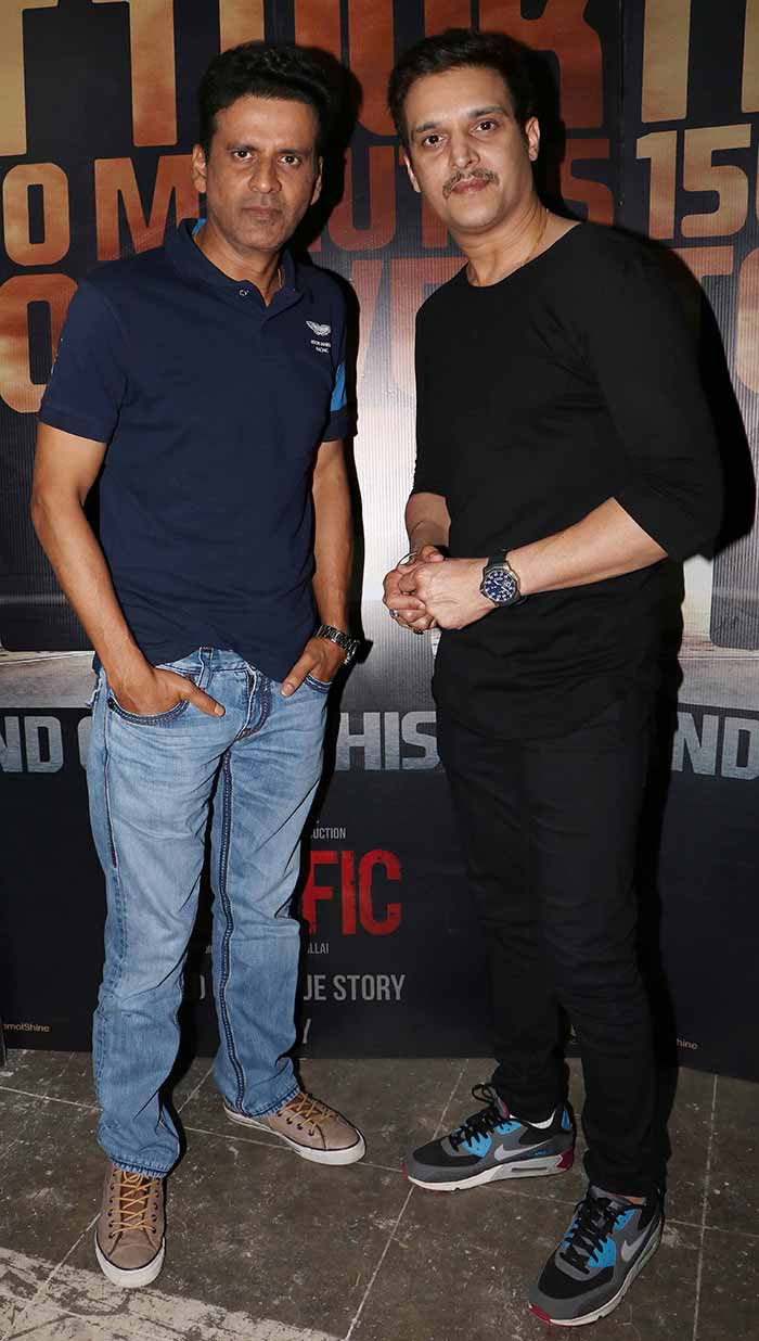 Traffic: Manoj Bajpayee and Jimmy Shergill spotted at Mehboob Studio