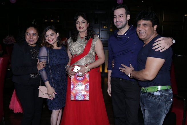 Upasana Singh, Neelu Vaghela with family