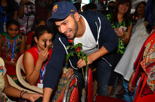 Varun Dhawan meets visually impaired girls