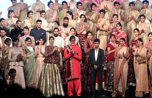 Vikram Phadnis Celebrate His 25 Years in Fashion Industry