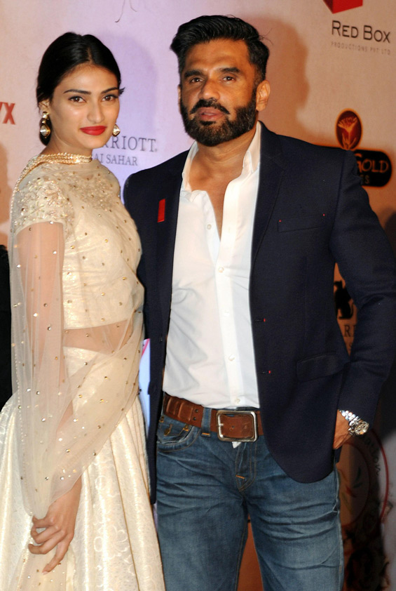 Sunil shetty and his daughter