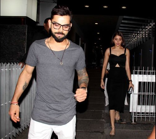 Virat Kohli & Anushka Sharma Spotted At A Late Night Dinner