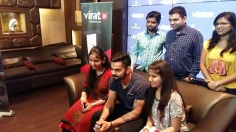 Virat Kohli in Gurgaon with Fans