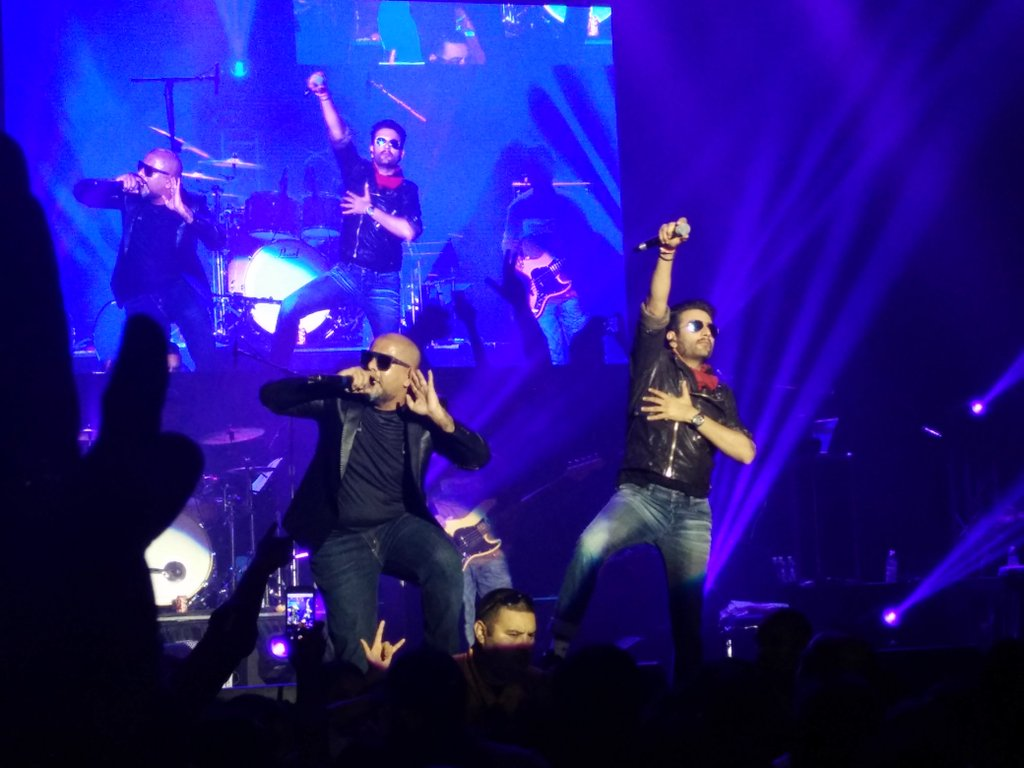 Vishal Dadlani and Shekhar Ravjiani Performance at VSUS